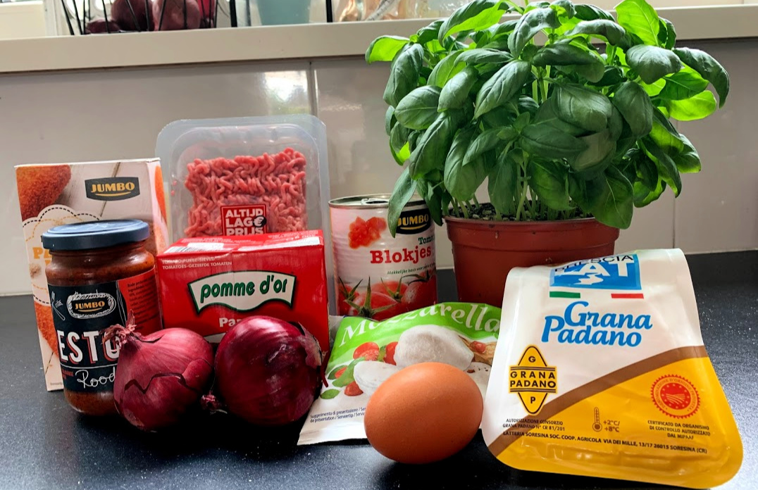 Mozzarella gehaktballen met tomatensaus